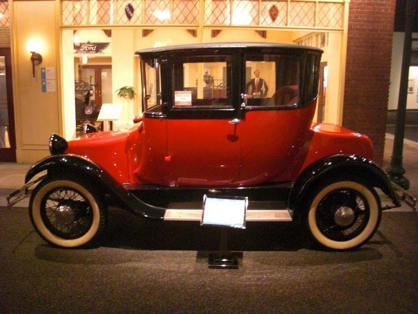 Autos Eléctricos de la Detroit Electric