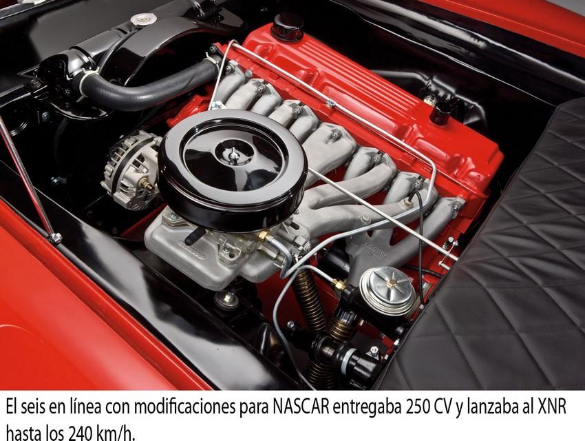 Plymouth XNR Motor de 6 cilindros con modificaciones NASCAR