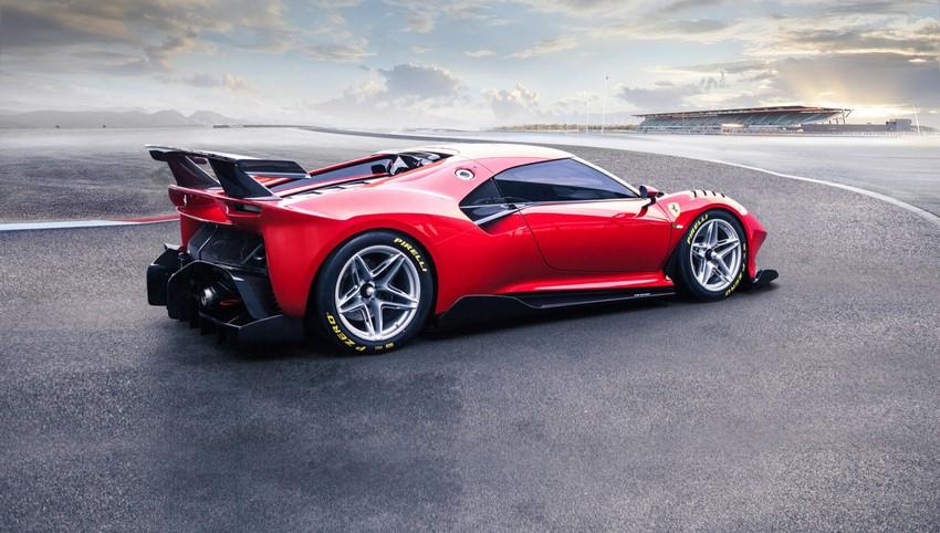 Ferrari P80/C foto lateral