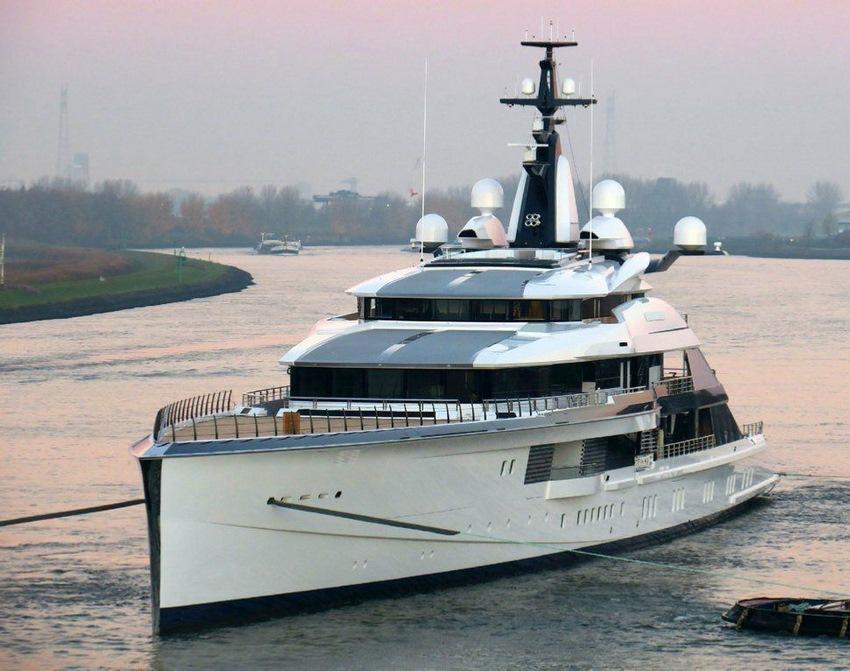 El Project Bravo, bautizado como Bravo Eugenia en un puerto
