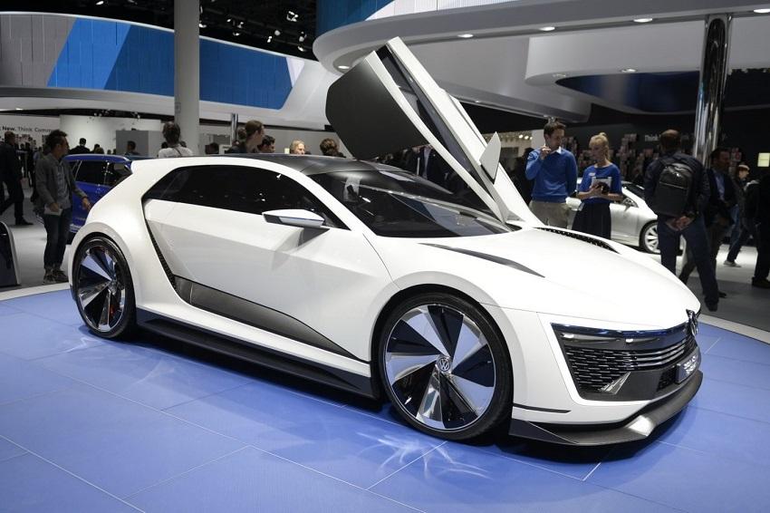 La octava generación del Volkswagen Golf vendrá acompañada de su inseparable versión deportiva R