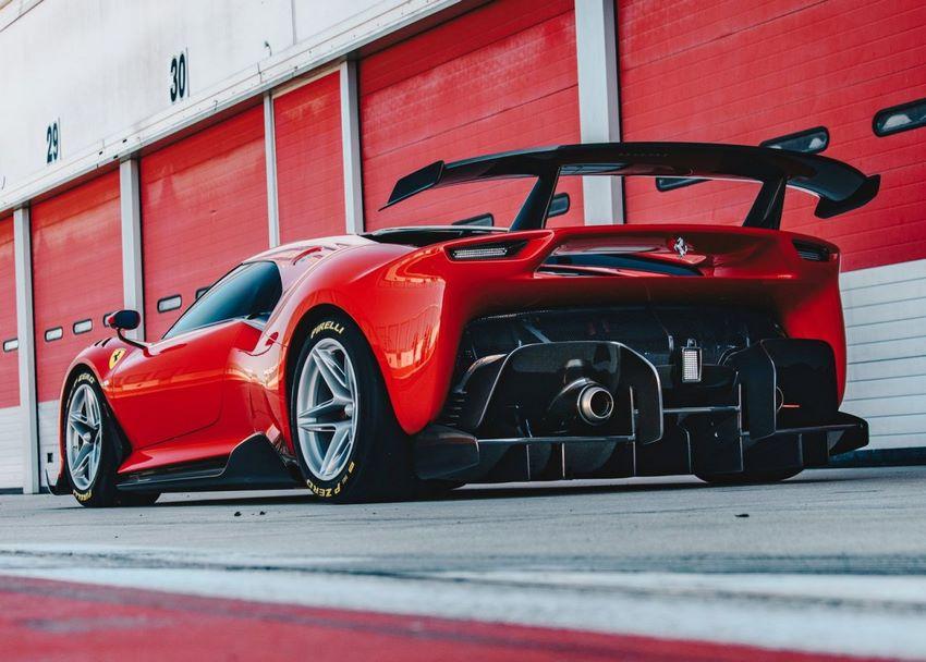 Parte trasera Ferrari P80/C
