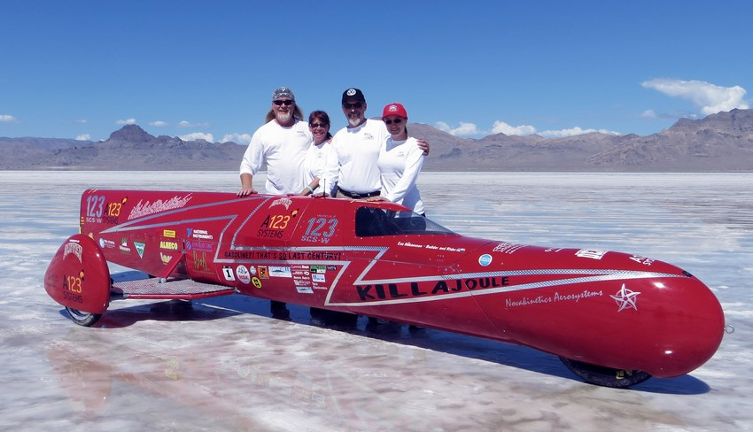 La KillaJoule y su team en Bonneville