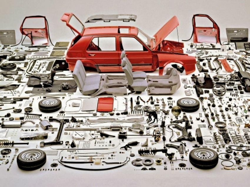 Curiosidades del mundo del motor, màs de 30000 piezas en un auto