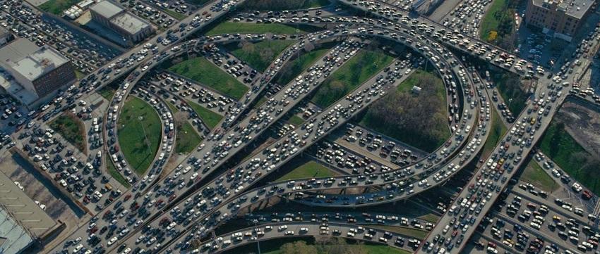 Inmesa cantidad de autos en Los Angeles, California. Mundo del Motor