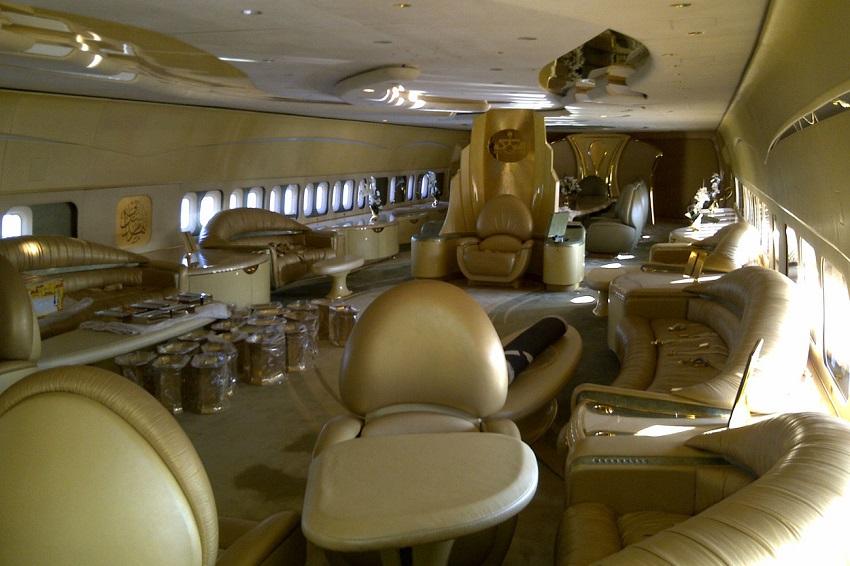 Interior del  Airbus A380 del príncipe Al-Waleed Bin Talal