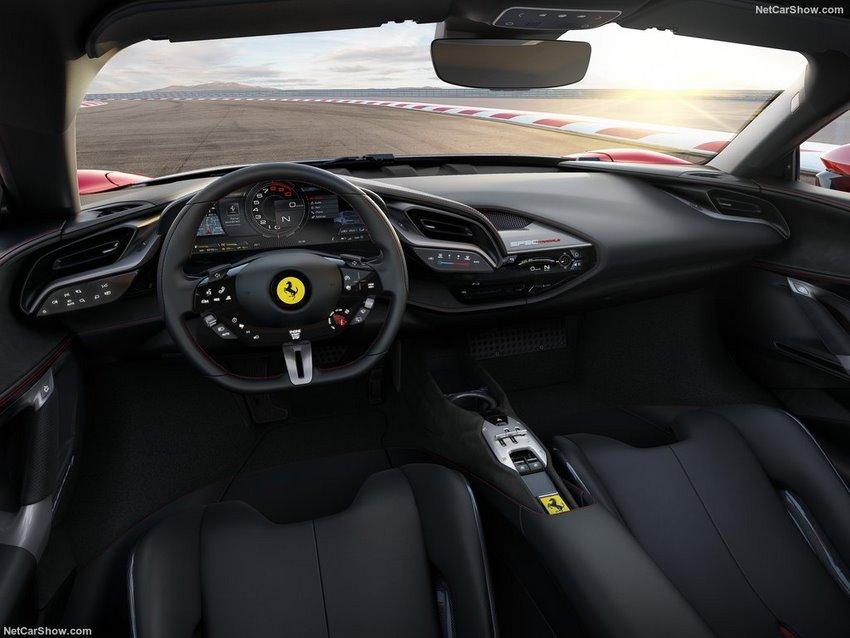 Interior del Ferrari SF90 Stradale