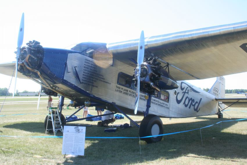 Ford Trimotor Cabina
