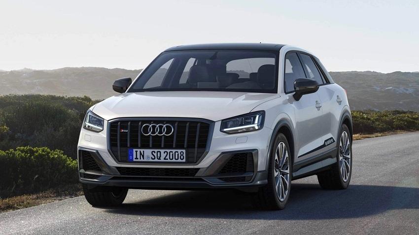 Audi SQ2 plateado
