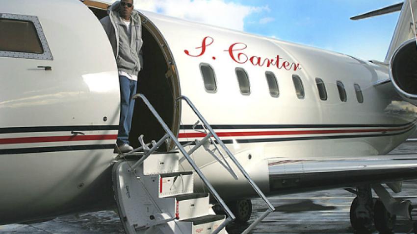 Jay-Z en su Bombardier Challenger 850