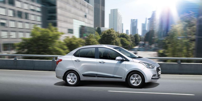 El Hyundai Grand i10 vista lateral