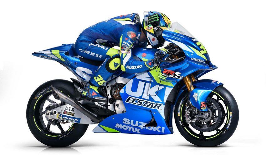 Alex Rins con su Suzuki