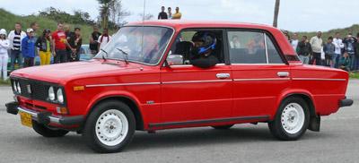 Los Autos Rusos Tienen Su Espacio En Cuba Excelencias Del Motor