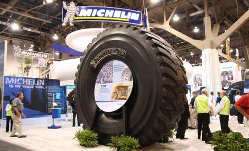 El neumático más grande del mundo: Michelin XDR