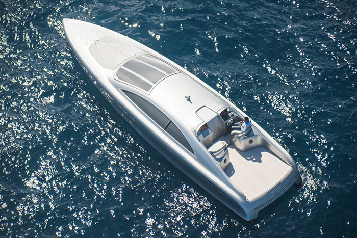 Baño Lujoso Sinonimo:Mercedes alumbra una Estrella de Plata para los mares