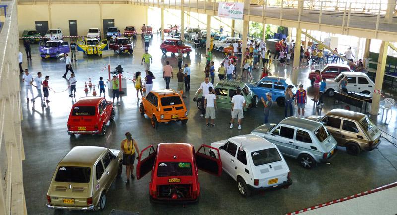 Zlot miłośników Polskiego Fiata 126p na Kubie